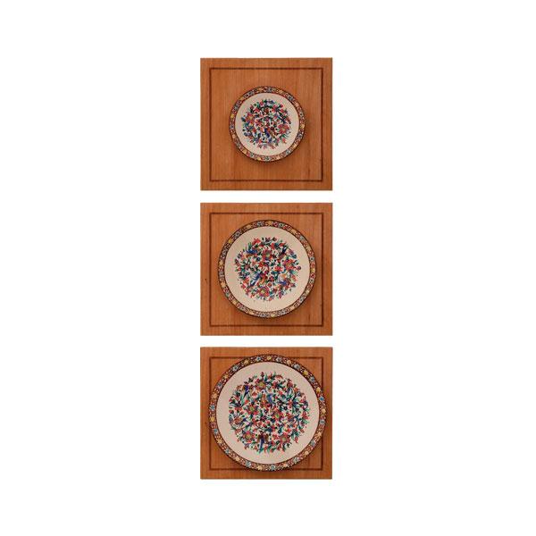 تصویر از تابلو مینا سلام مجموعه چوب و مینا طرح بشقاب سه تایی گل و مرغ قهوه