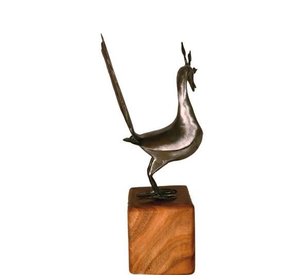 تصویر از تندیس ساده سلام مجموعه حدید طرح طاووس ساده با پایه چوبی